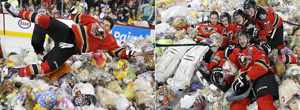 Канадцы забросали хоккеистов медведями